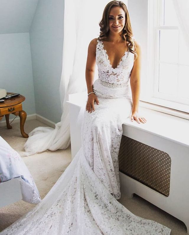 We Love A Good Lace So Timeless In Palomablancabridal With This Intricacy What Fabric Are You In Sea Wedding Dresses Wedding Dress Pictures Ny Wedding Dress
