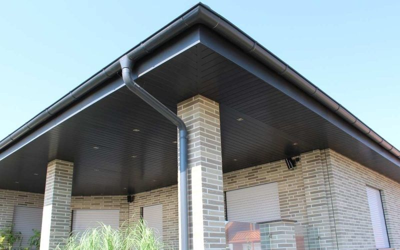 Anwendungsbeispiel Zu Dekodeck Verkleidungsprofilen Fur Fassade Dachuberstand Zaunelemente Und Viele Mehr Erhaltlich Fassade Dachuberstand Fassadenprofile