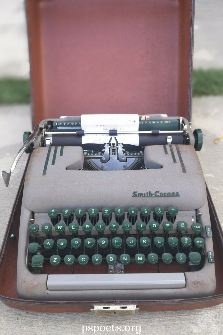 $80 00 This vintage Smith & Corona Silent (The 1953) looks