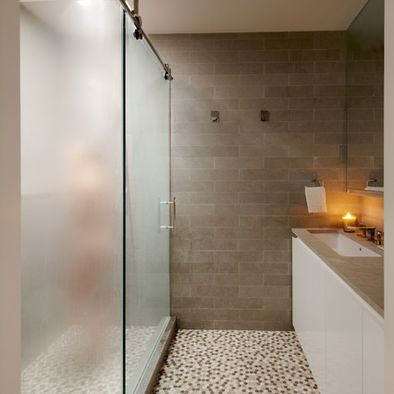 OPAQUE door flooring for the shower door and LOVE the wall tile color and pattern : opaque door - pezcame.com