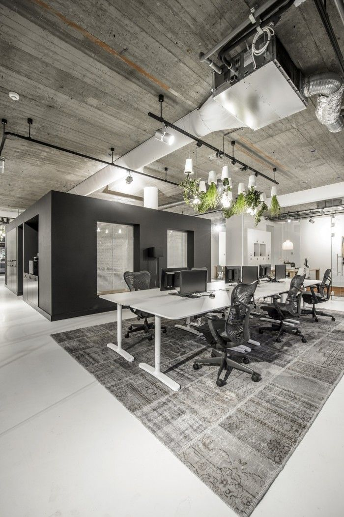 Warehouse Style Office Space Private Room Google Search Modern Office Decor Modern Office Design Office Interior Design