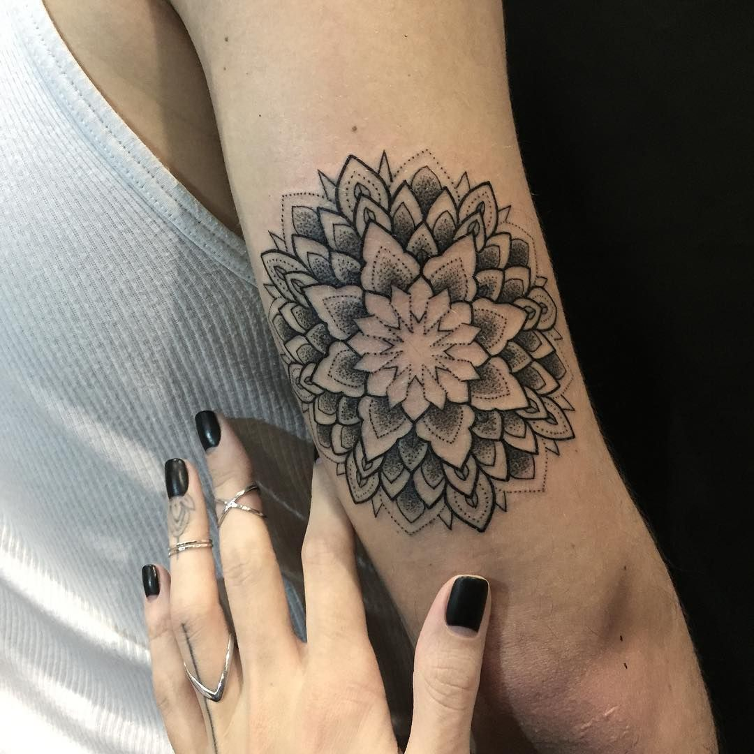 Sashatattooing Tattoo Ideas Tattoos Mandala Tattoo Mandala