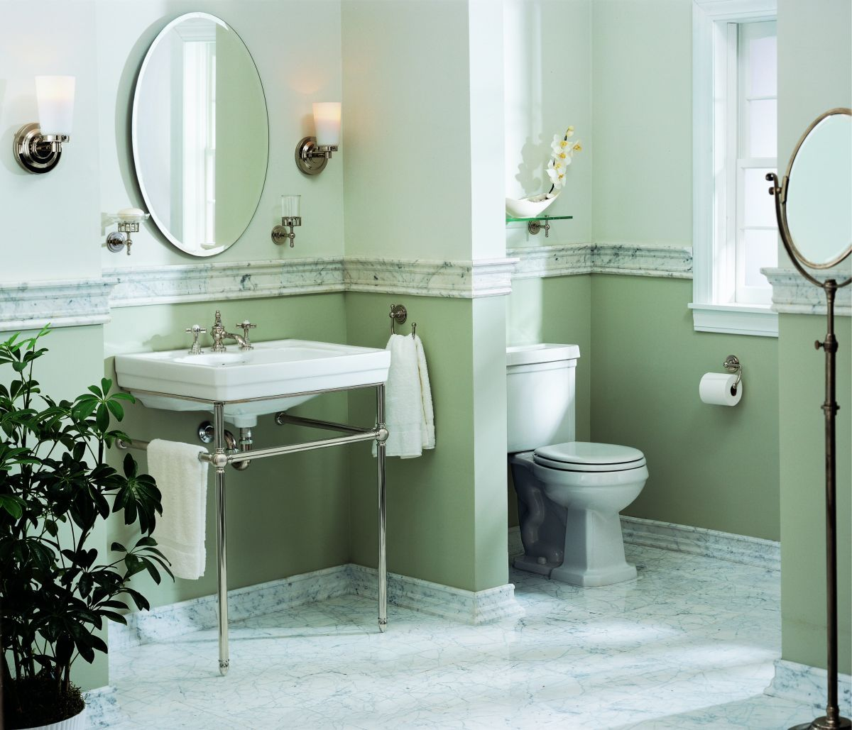Glass shelf with rail for bathroom - I Love The Two Tone Paint Separated By The Marble Chair Rail Trim Glass Bathroom