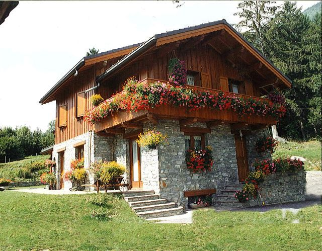 Swiss Chalet, House