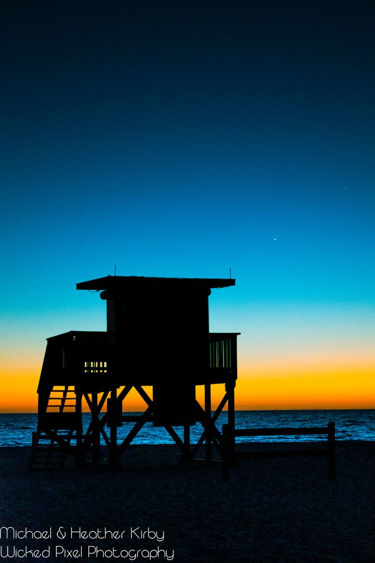 Coquina Beach Lifeguard Stand Silhouette Blue Sunset Golden Sunset | Wicked Pixel Photography #sunset #sunsetphotography #sunsetpictures #sunsetbeach #sunsetaesthetic #sunsetaestheticsummer #sunsetsummer #sunsetphotographybeach #sunsetphotographynature #sunsetphotographybeachphotoideas #sunsetphotographybeachsky #sunsetphotographybeachbeautiful #sunsetbeachpictures #sunsetbeachphotos #sunsetbeachphotosnature #landscapephotographysunset #landscapephotographynaturecolorful