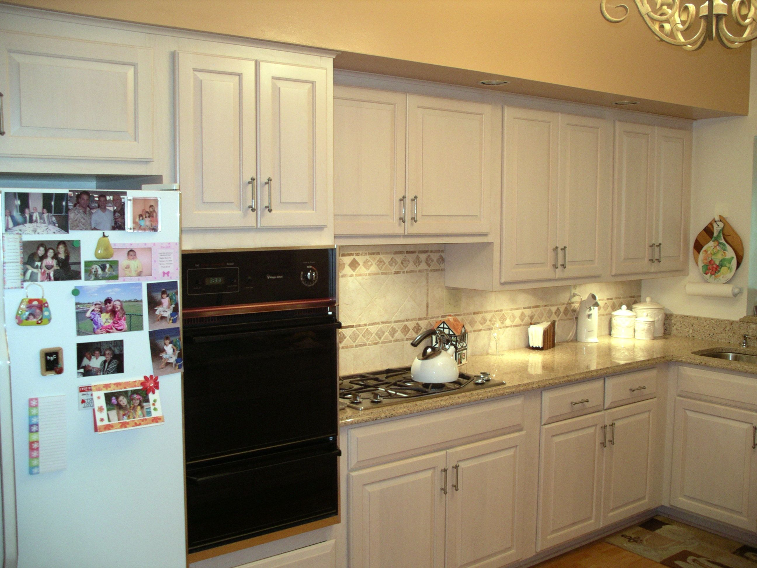 Newly Refaced White Kitchen Cabinets To Brighten Up The Home Kitchen Magic Refacers Kitchen Bathroom Remodel Cabinet Refacing White Kitchen Cabinets