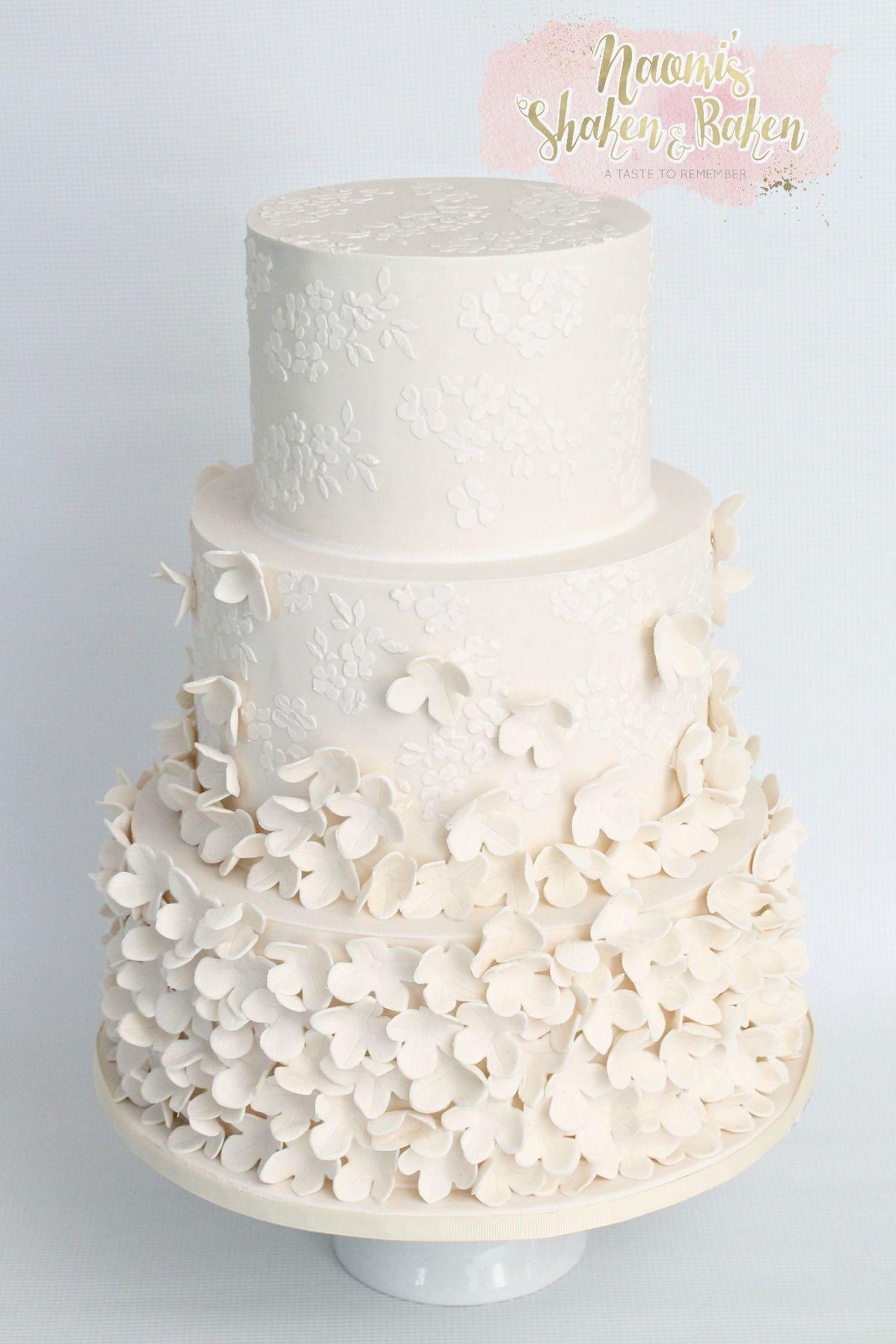 Modern ivory wedding cake #wedding #weddingcake #bne #brisbane ...