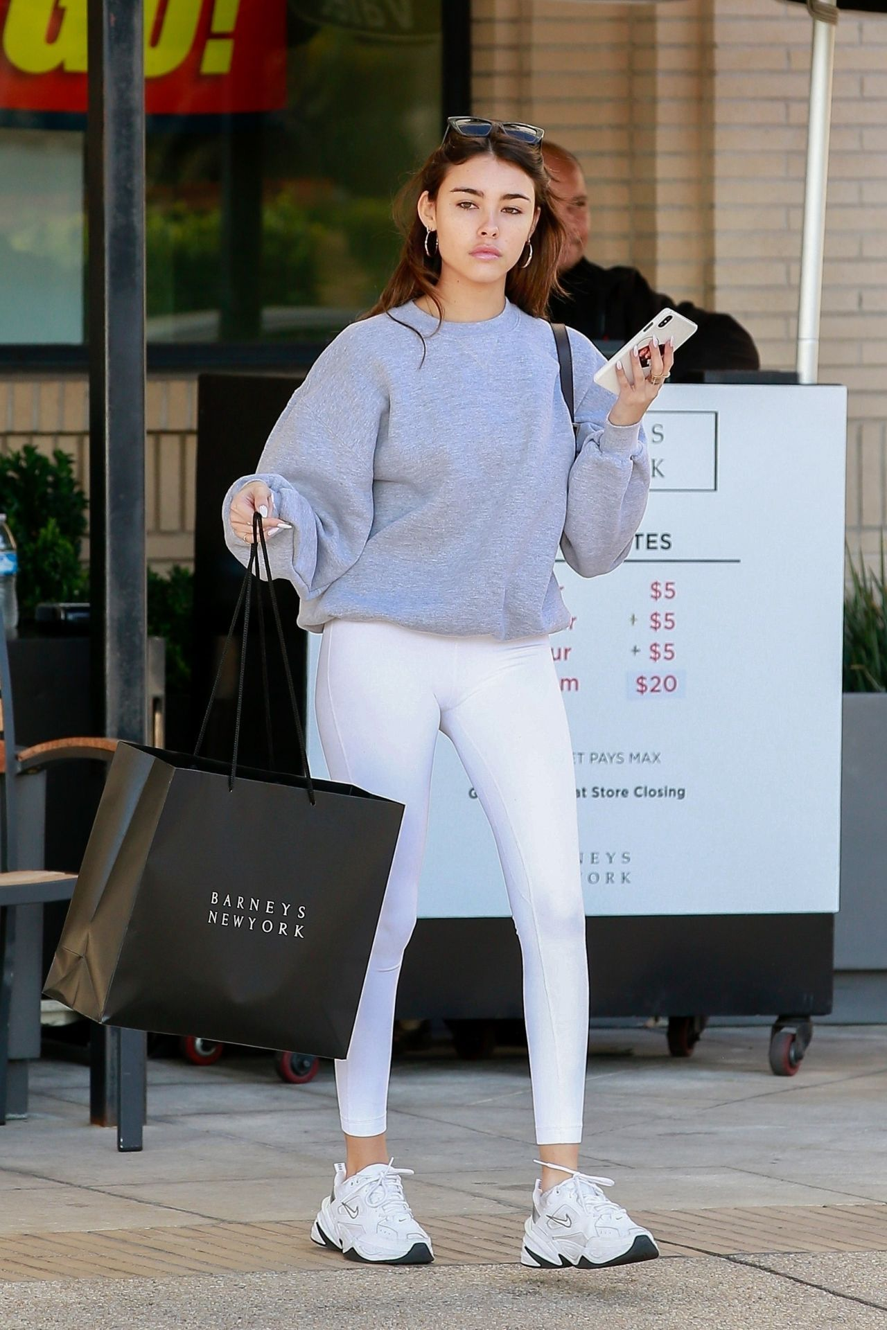Madison Beer Shopping At Barneys New York In Beverly Hills 01 13 2020 Madison Beer Outfits Madison Beer Style Beer Outfit [ 1920 x 1280 Pixel ]