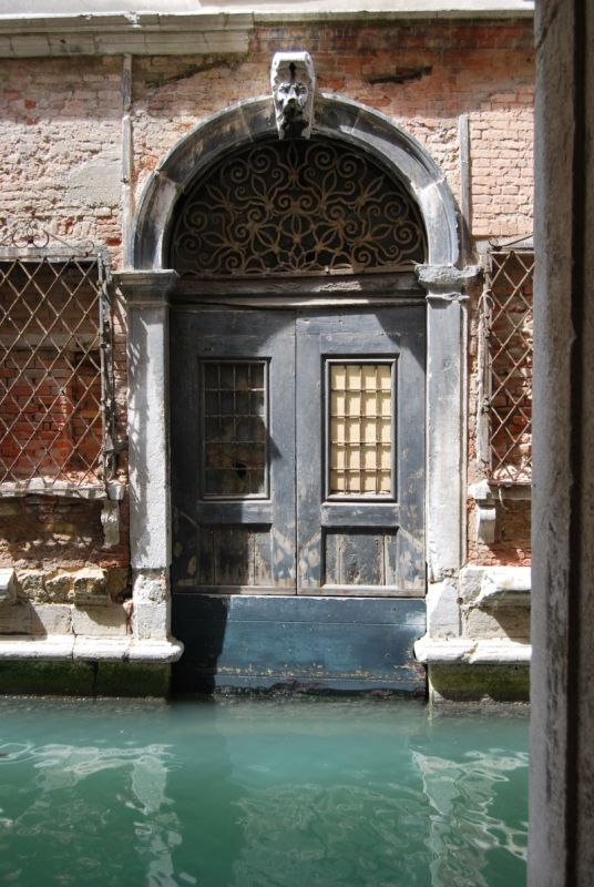 Photo of Watch out while leaving – Venice, Venice