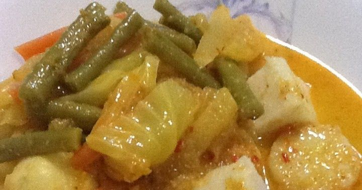 About 2 Weeks Ago I Made Lontong Sayur Lodeh Yes It Was Lemak So I Thought It Suitable For My First Recipe Post My Easy Meals Meals For One Recipes