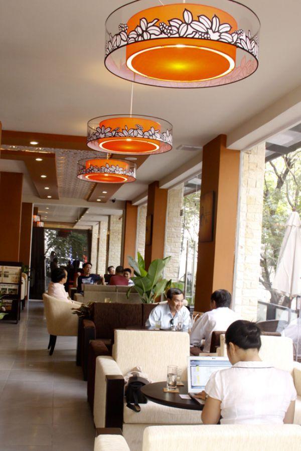 see more at : http://www.denlantana.com/20120308-san-xuat-den-trang-tri-cafe-trung-nguyen.html