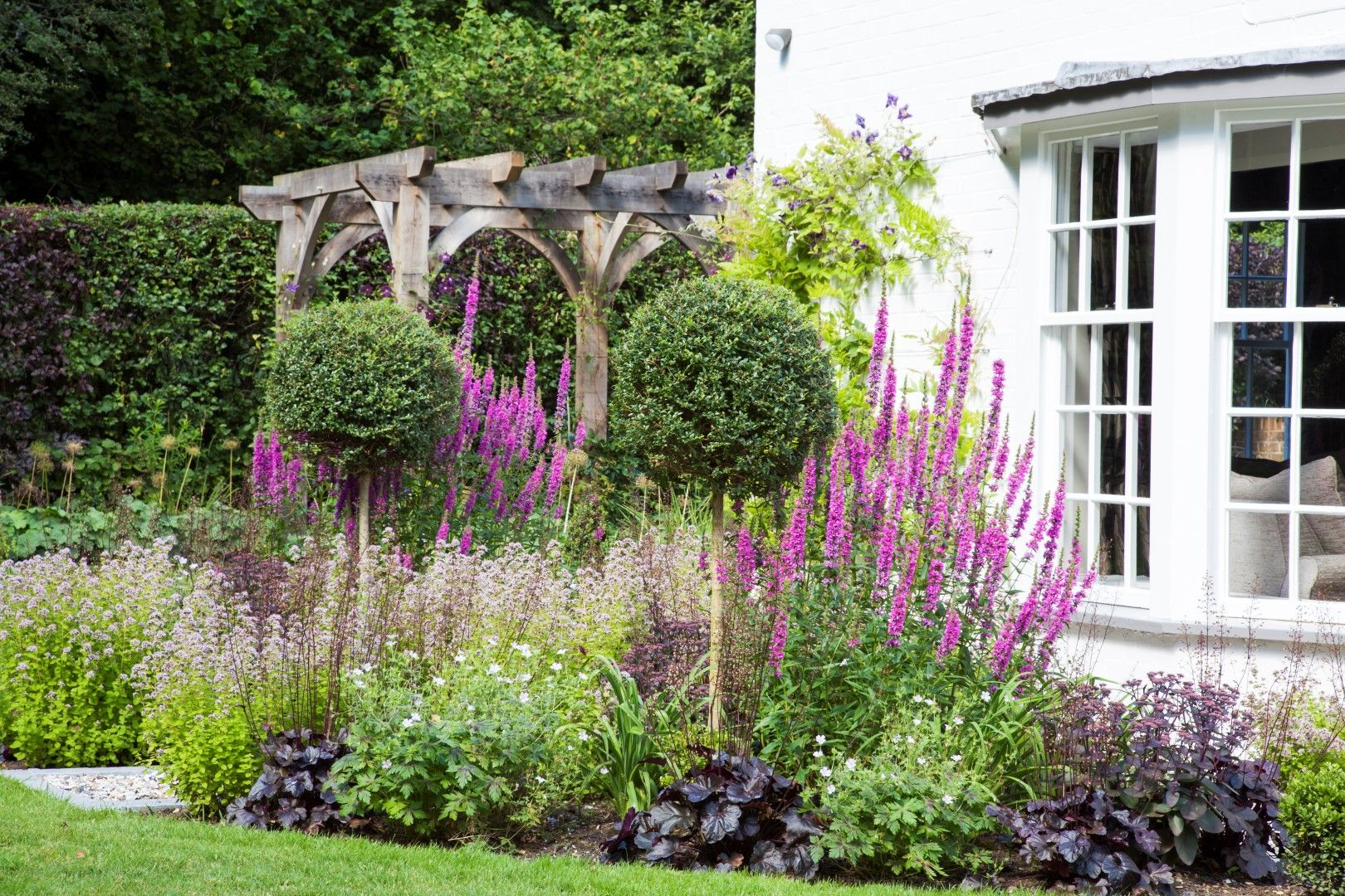 Romantic Country Garden By Reading Based Msgd Garden Designer Andrea Newill Country Gardening English Country Gardens Country Garden Design