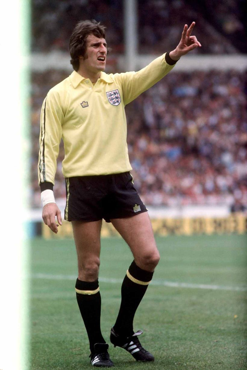 Liverpool & England goalkeeper Ray Clemence in 1976. in ...