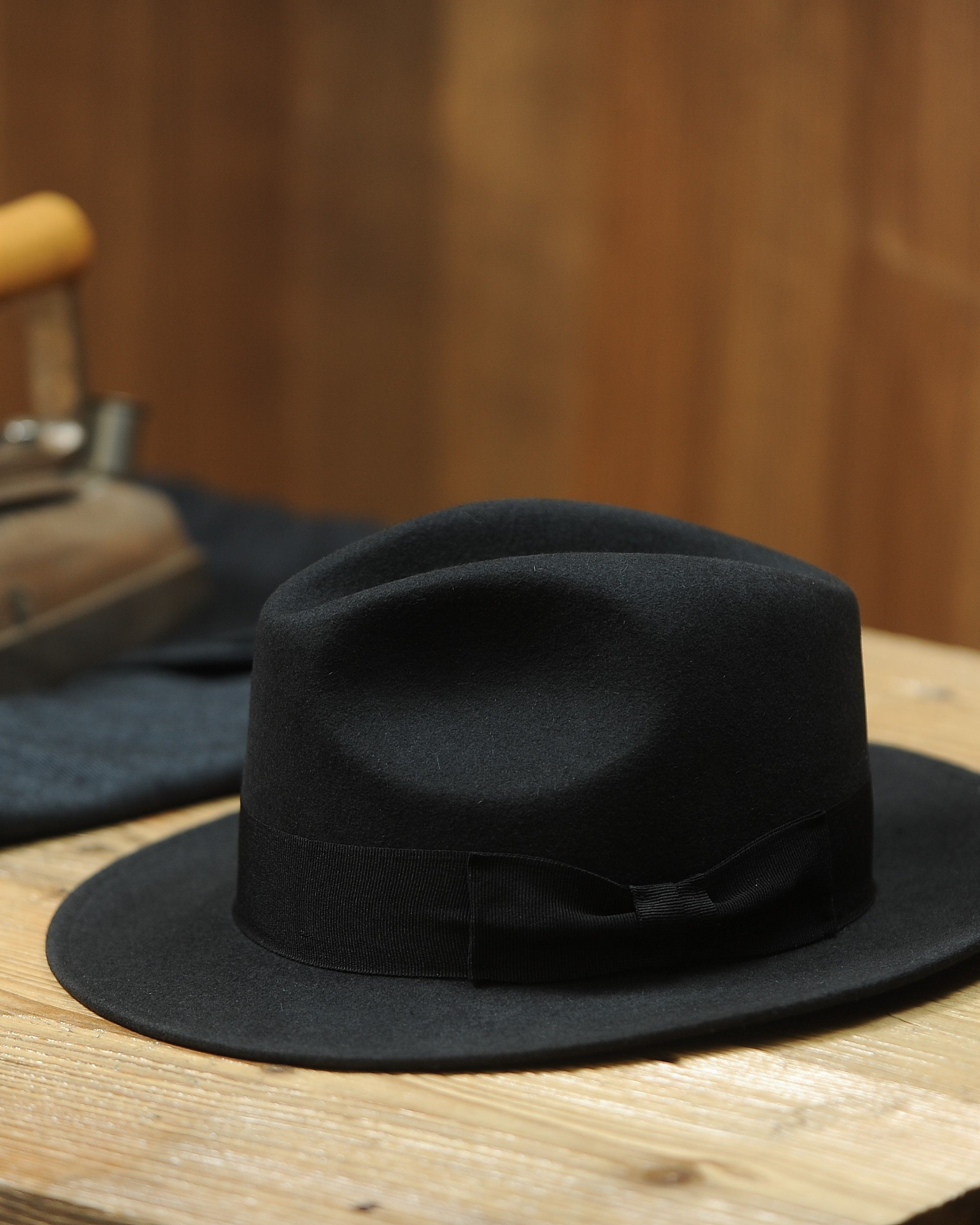 033334cda A timeless Fedora hat made of rabbit fur felt. Following hat is very ...