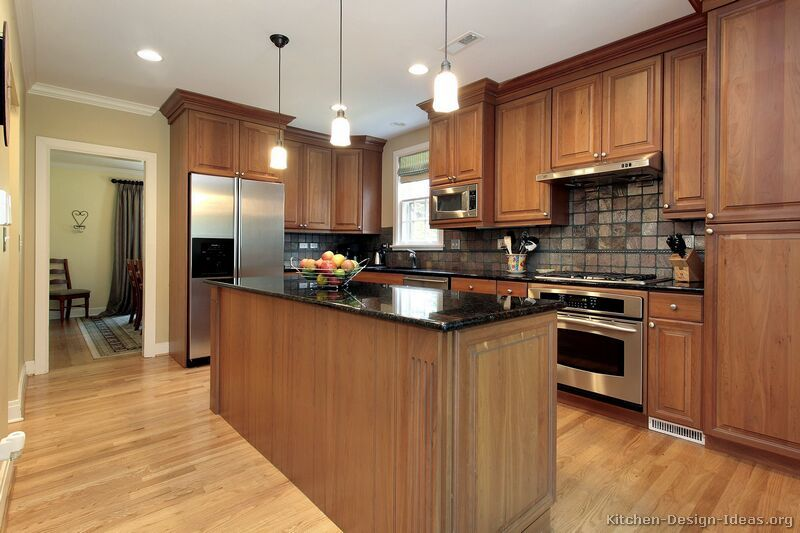 Traditional Medium Wood Golden Kitchen Cabinets 61 Design Ideas Org Backsplash Is A Little Dark