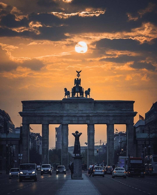 Besteberlin Auf Instagram Guten Morgen Gunaydin Good Morning Buenos Dias Bonjour From Berlin Unser Heutiges Lieblingsb Berlin Wandern Osterreich Instagram