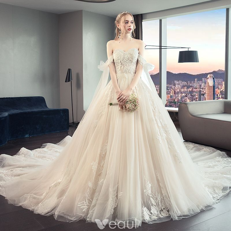 Chic / Beautiful Champagne Wedding Dresses 2019 A-Line / Princess Strapless Beading Lace Flower Sleeveless Backless Bow Royal Train