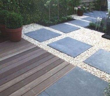 Une Allée De Jardin En Dalles D'Ardoise Et Gravier | House Pools