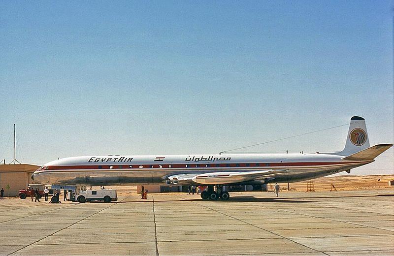 Datei:Egyptair Comet Groves.jpg