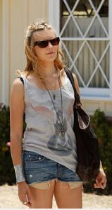 faith maggie grace on californication style to steal
