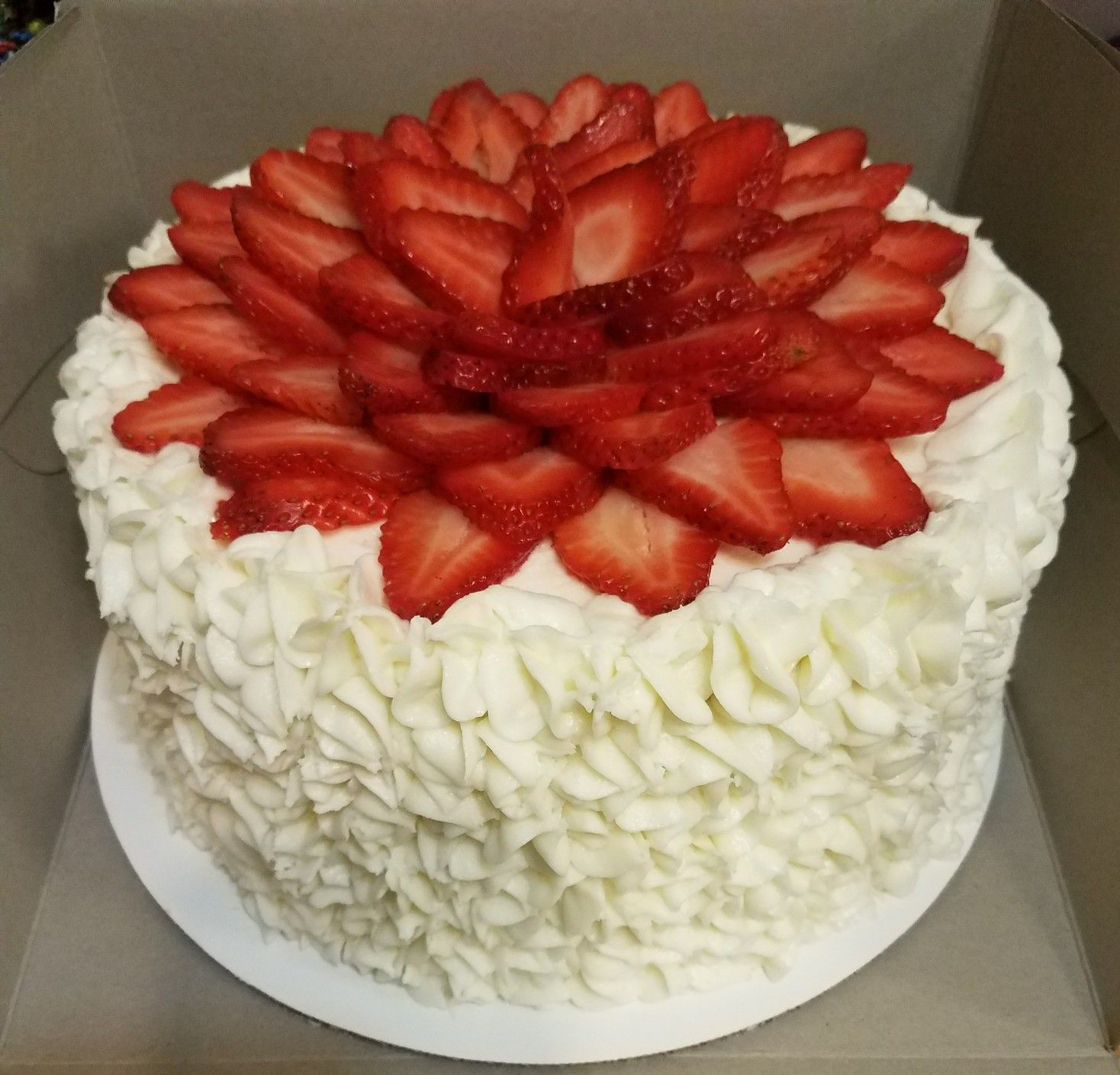 Simple strawberry cake with cream cheese icing new cake
