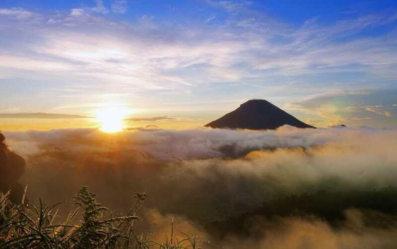 28 Download Gambar Pemandangan Bagus Gambar Pemandangan Indah Di Indonesia Yang Bisa Anda Download Dow Di 2020 Pemandangan Lukisan Pemandangan Kota Latar Belakang
