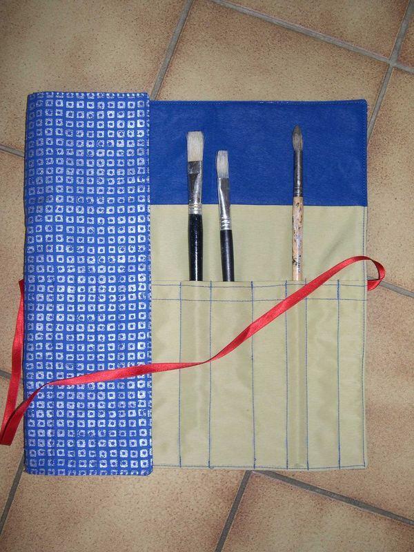 trousse range pinceaux en 2018 trousses bourses pinterest pinceaux ranger et pochettes. Black Bedroom Furniture Sets. Home Design Ideas
