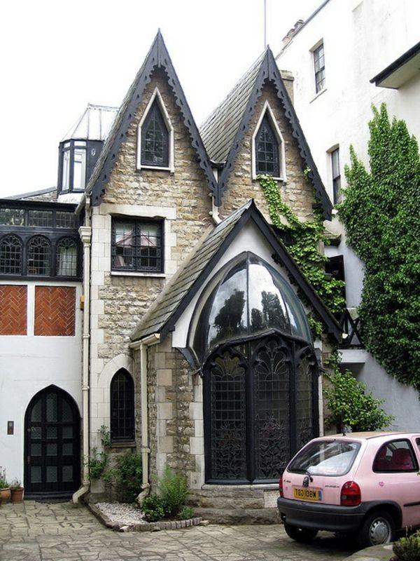 Lu0027architecture gothique pour votre demeure! Architecture - Facade Maison Style Moderne