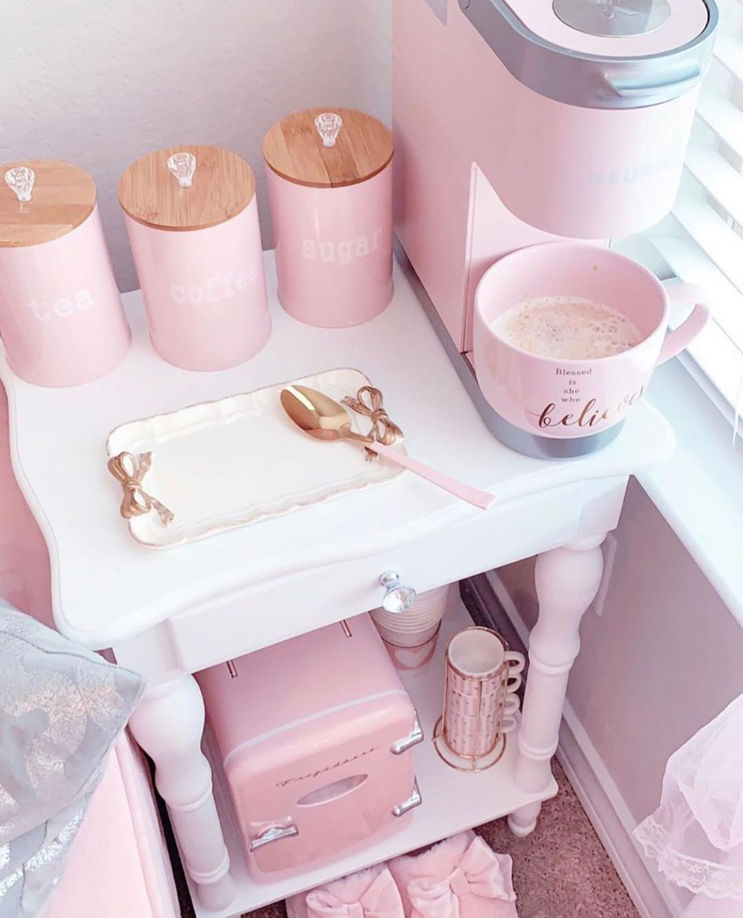 "LeleCurlss ➿🌿 Curly Hair on Instagram: ""Is this too much to ask for? ☕️💕🌸  . . LeleCurlss . . . . . . #pink #coffee #cabinet #decor #decorideas #housedecor #housedecorating"""