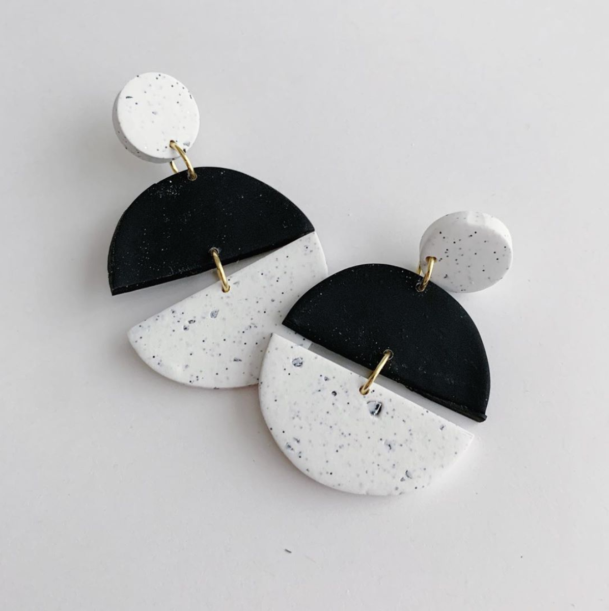 Handmade Polymer Clay Earrings Black And White Speckle Granite Circle Diy Polymer Clay Jewelry Diy Diy Clay Earrings Polymer Clay Jewelry