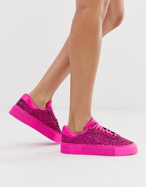 soplo costo filete  Zapatillas de deporte con brillo rosa Samba Rose de adidas Originals   ASOS    Zapatillas deportivas, Adidas originales, Samba