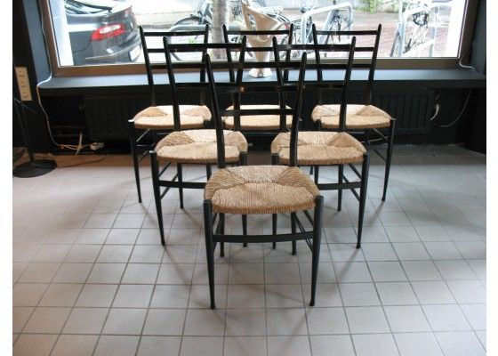 Sedie Chiavarine ~ Quattro sedie chiavarine in legno di frassino. produzione