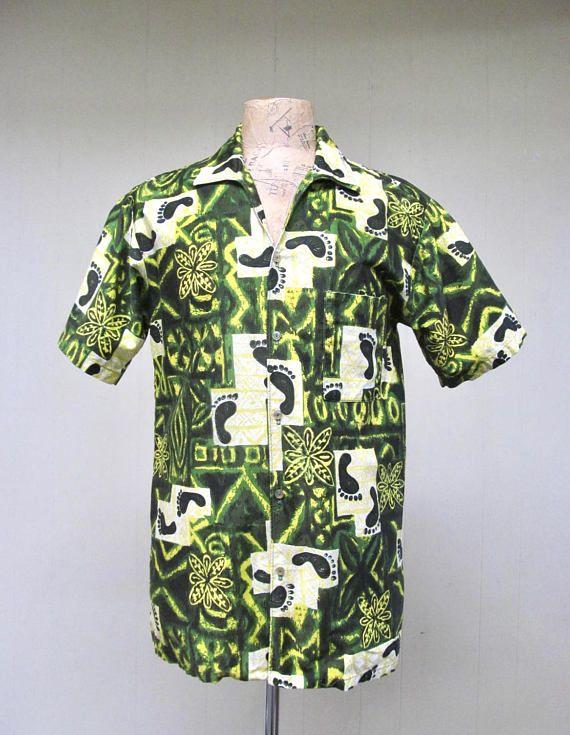 866fe160e7bb Vintage 1960s Hawaiian Shirt   60s Green Go Barefoot Tapa Print Aloha Shirt    Medium 42 Chest