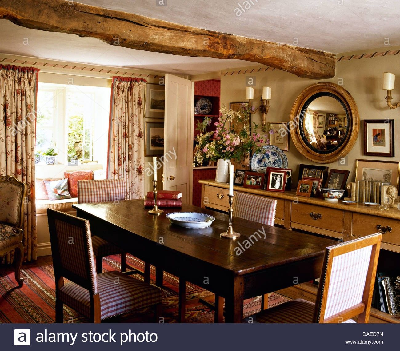 English Cottage Dining Room With Sideboard Oh My Cottage Dining Rooms English Dining Room Antique Kitchen Decor