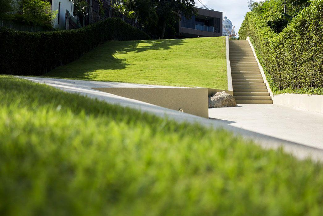 Trop Pause Court Lawn Hill 8 Landscape Architecture Landscape Design Ramps Architecture