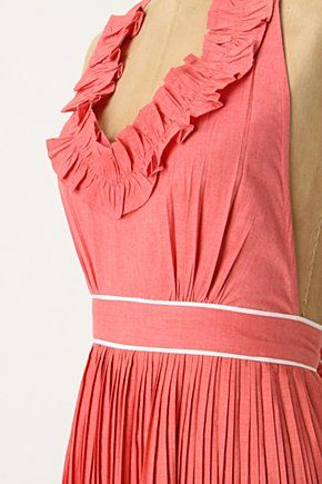 So I know I don't really need more aprons, but I do LOVE pleats and therefore I think this is a must $32 #Anthropologie