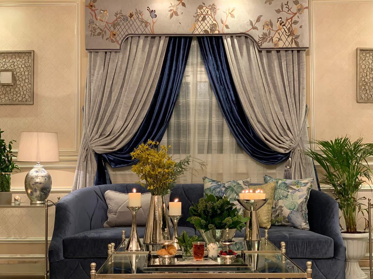 كنب نيو كلاسيك روعة من تصميم وتنفيذ جلستي المطرزة كنب المصممة أريج الهيلا جوال 0506711821 Decor Home Home Decor