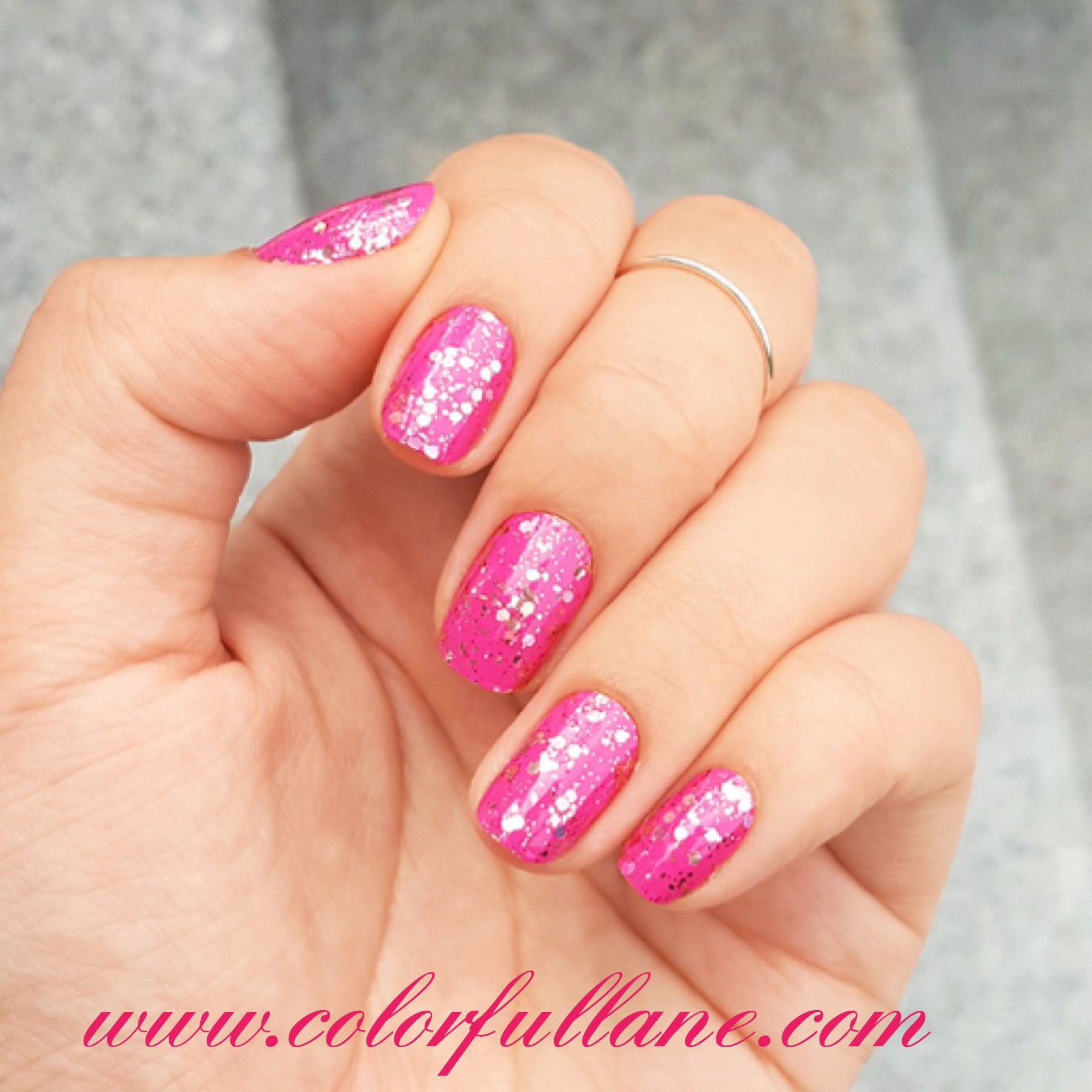 LA Dreams by Color Street is a beautiful glitter nail strip that ...