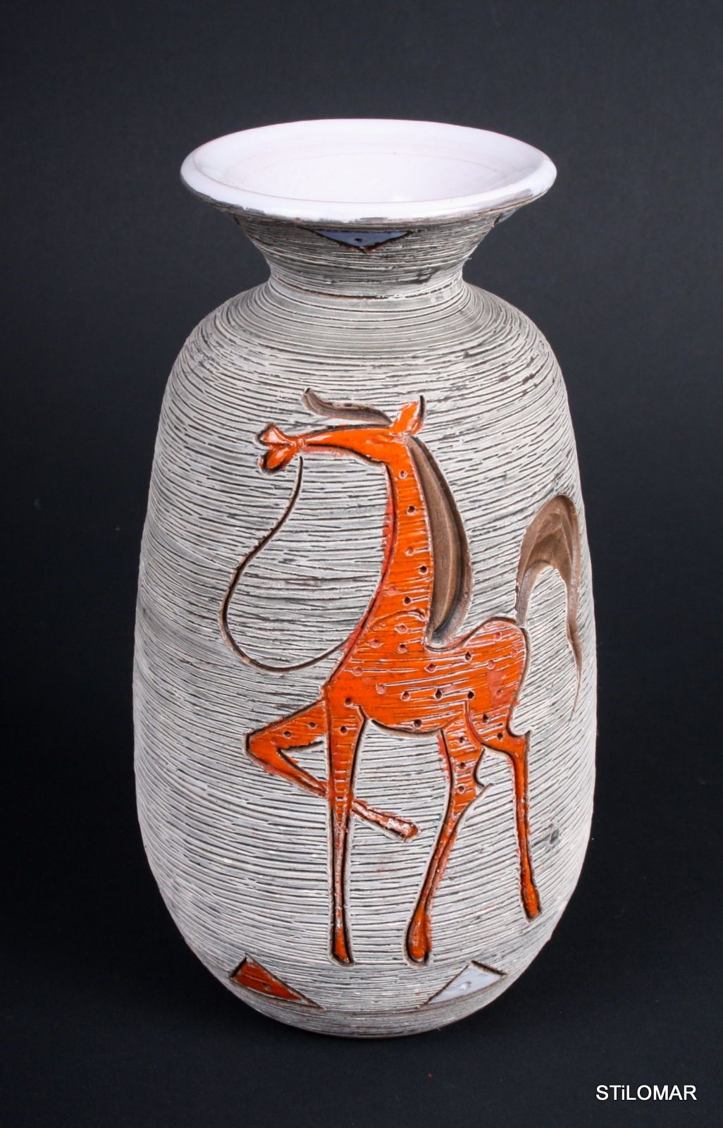 A226 1950s Little Vase Horse Art Pottery Fratelli