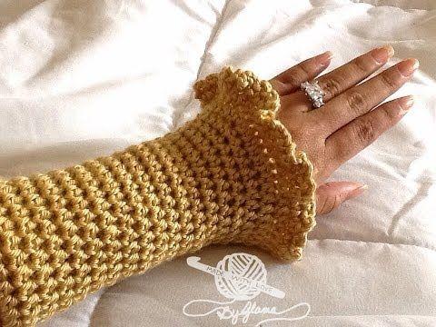 ▶ **Left Hand** Glama's Ruffly Wrist Warmers - YouTube