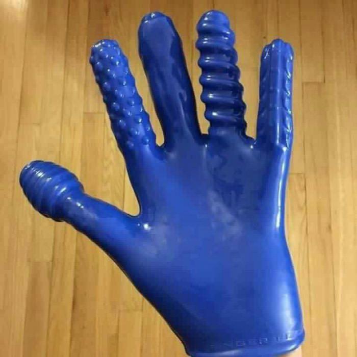 Дрочат видео член и резиновые перчатки девушки позируют голыми