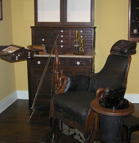 Old dentist chair | Smile! Vintage Dentistry | Pinterest ...