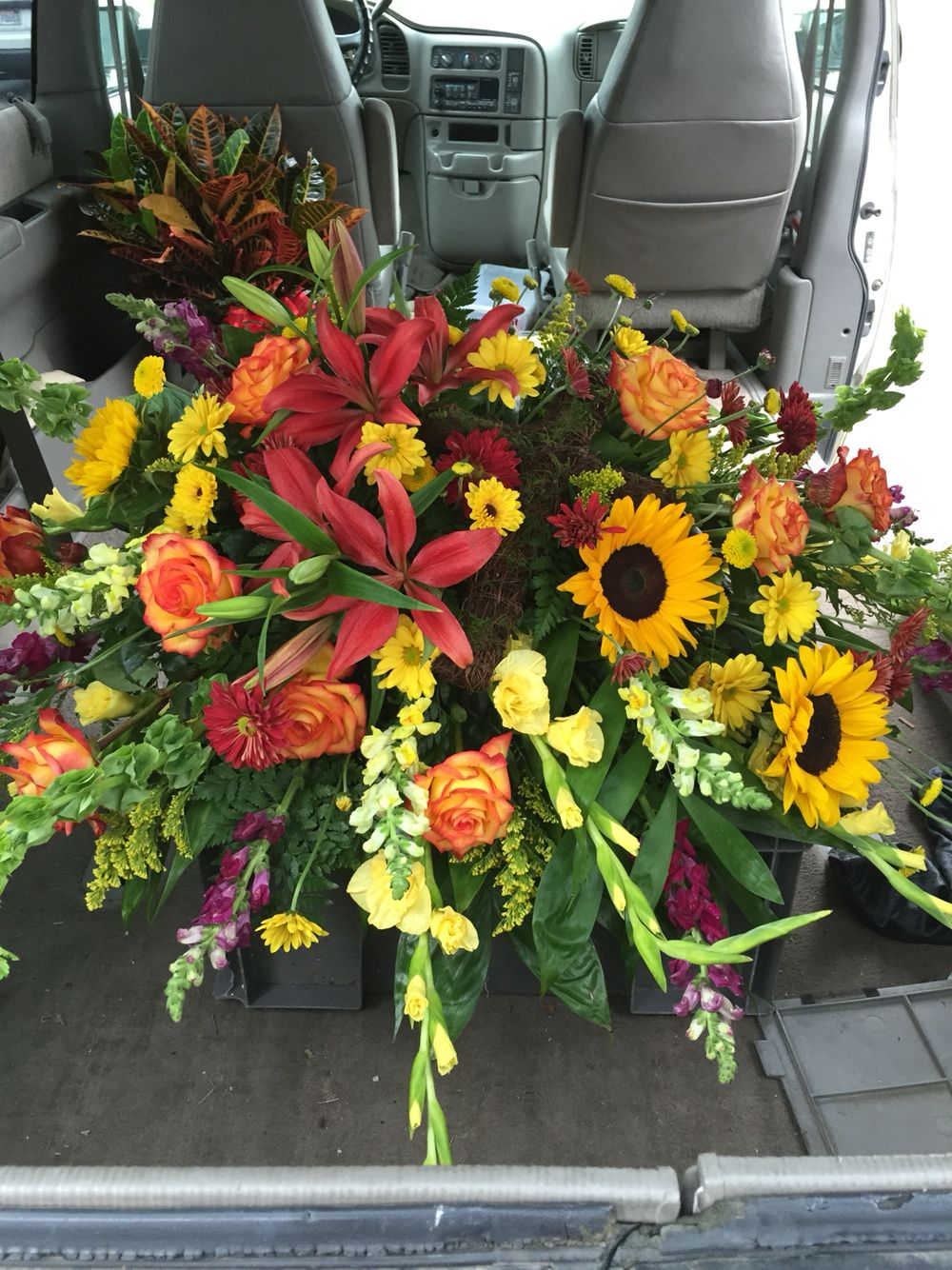 7 best wicker coffin floral arrangements images on ...  |Casket Flowers