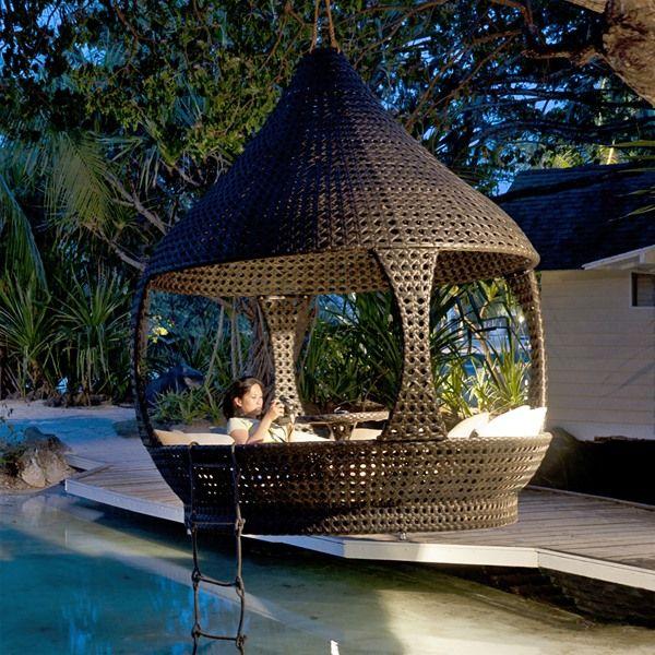 Alexander Rose Ocean Lantern Rattan Outdoor Daybed Internet Gardener Modern Garden Furniture Outdoor Daybed Garden Furniture Sets
