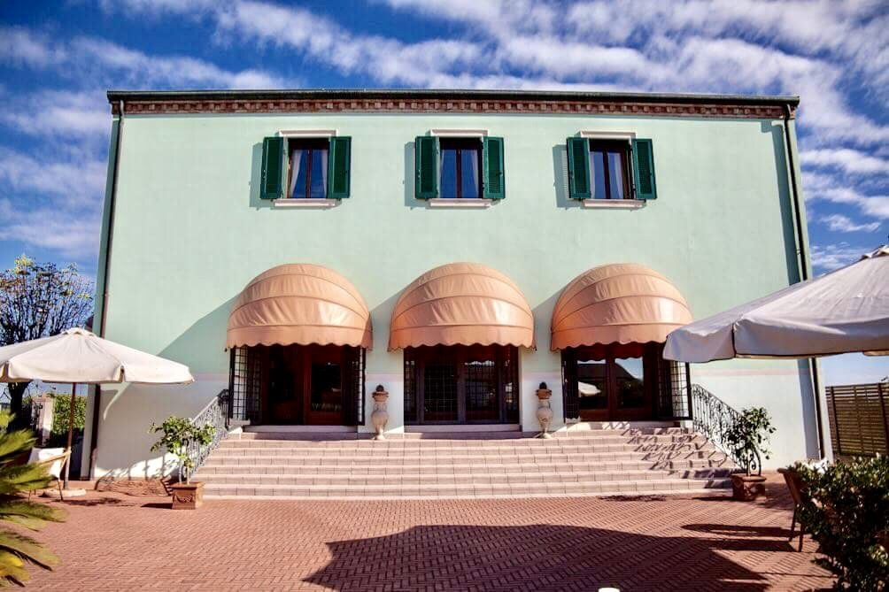 Matrimonio Rustico Veneto : Villa per matrimoni rovigo ferrara padova veneto emilia