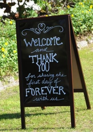 An easy, #DIY welcome sign -- simply order a sleek, sandwich board from Amazon and use the provided liquid chalk markers in order for the surface to be reused for a later event. #weddingsigns #personalizeddetails
