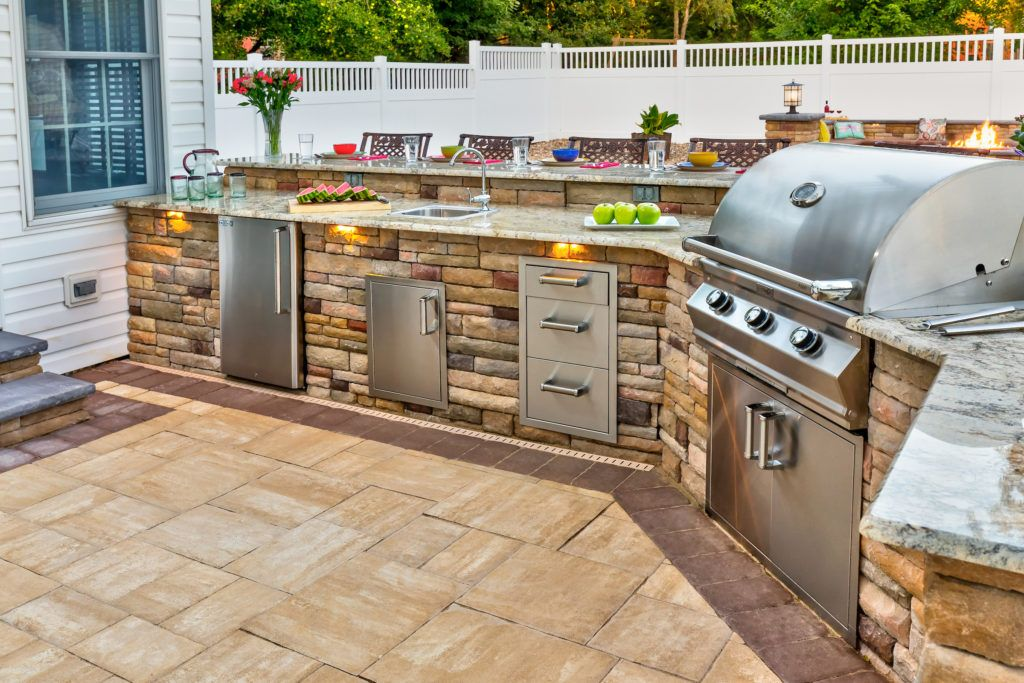 Paver And Wall Design Ideas Outdoor Kitchen Design Outdoor Kitchen Outdoor Kitchen Design Layout