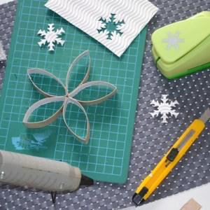 {DIY} Flocon de neige en carton Récup #rouleaupapiertoilettenoel