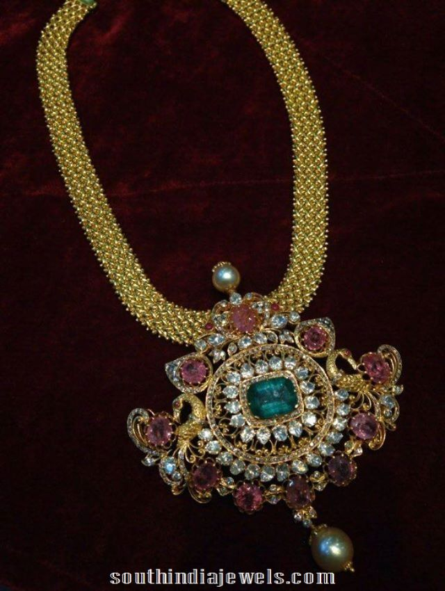 Gold Short Necklace With Rubies And Emeralds Royal