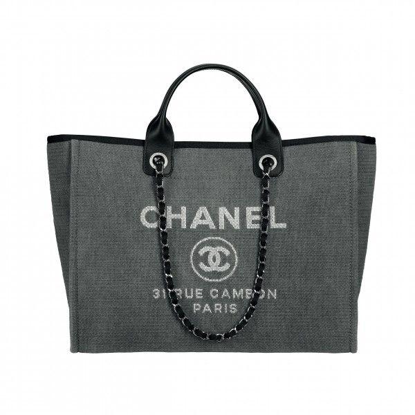 f42156fb8de8 canvas bags | KTOTHEATOTHEI | Chanel tote bag, Chanel canvas bag ...